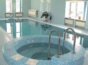 Фото: Для исключения большой влажности в бассейне, рекомендуется испльзовать осушающую установку