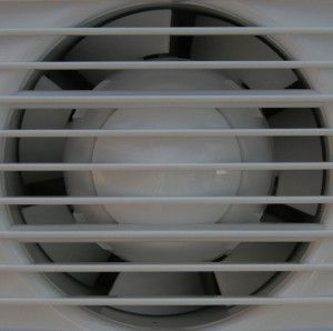 Фото: Вытяжной вентилятор поможет справиться с лишней влажностью