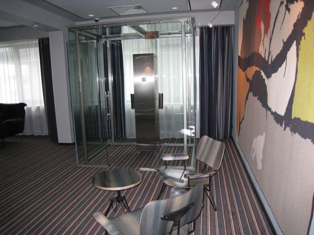 Фото: В больших центрах могут оборудоваться целые курительные комнаты