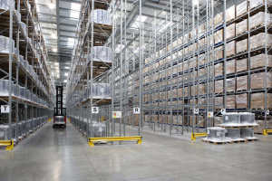 Фото: Промышленный склад, осушить воздух в больших масштабах непростая задача