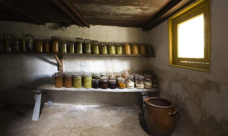 Погреб - незаменимое помещение для хранения овощных запасов