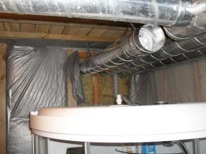 Если не хватает воздухообмена, можно установить вытяжной вентилятор