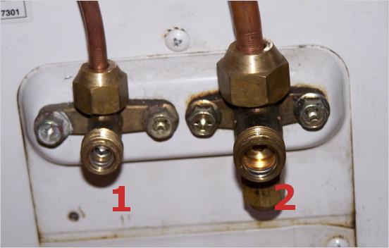 1 - перекрываем подачу фреона, 2 - закрываем газовый клапан