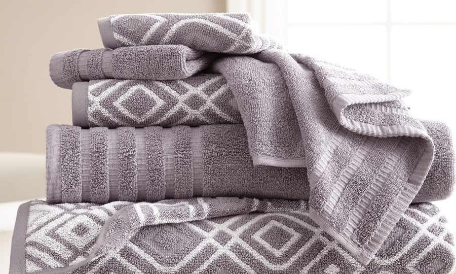 Обычное махровое полотенце идеально аккумулирует влагу