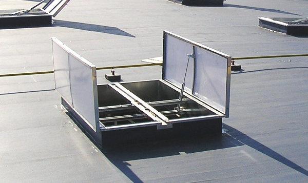 Технологические люки способствуют отведению дыма при ЧС