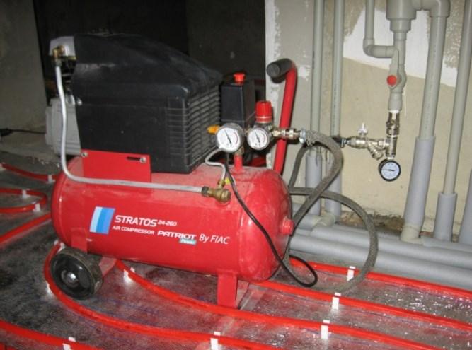 Воздушный компрессор для нагнетания давления