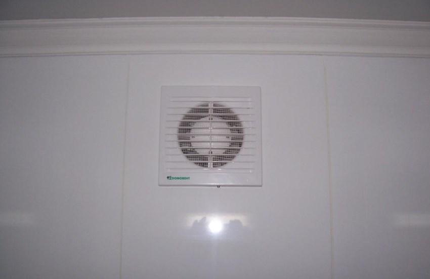 Вентиляционная решетка с вентилятором