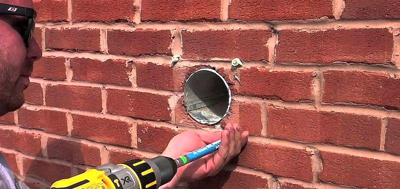Монтаж вентиляции в кирпичную стену